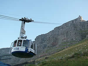 The breathtaking cable car ride to the summit of Table Mountain, Cape Town's premier attraction and, in fact, one of the top 'must-sees' in the world.  Find Central Capetown accommodation convenient for museums, gardens and Table Mountain on our Central Cape Town accommodation page.