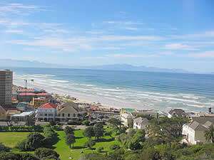 Muizenberg is one of Cape Town's most popular bathing spots with broad sandy beaches that stretch for miles along the shore of False Bay.  Find Constantia Cape Town accommodation with its beaches and sunshine on our Constantia Cape Town accommodation page.