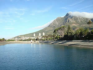 Molteno Reservoir next to de Waal Park in Gardens is one of Cape Town's sources of fresh water.  Find Gardens Cape Town accommodation on our Gardens Cape Town accommodation page.