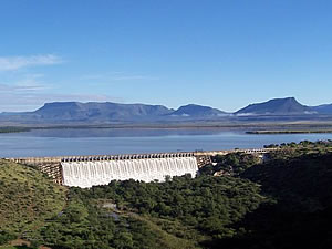 Graaff Reinet Dam - Over the Top