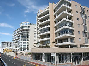 Mouille Point is considered an upmarket place to live by those who enjoy wide open sea views.  Find Green Point Cape Town accommodation on our Green Point Cape Town accommodation page.