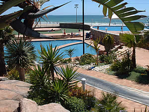 The MacArthur baths lie on the seafront between Kings Beach and Humewood Beach.  The complex consistes of a number of salt- and fresh-water pools, slides and landscaping with exhilarating sea views.  Find Humewood accommodation on our Humewood accommodation page.