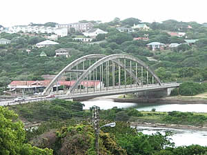 The Kowie River is at the centre of Port Alfred's being and was for a time a small port.  The landmark bridge carries the R72 on its way from Port Elizabeth to East London.  Find Port Alfred accommodation on our Port Alfred accommodation page.
