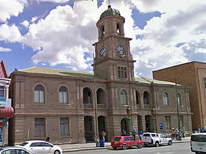 Queenstown town hall stands in Cathcart Road, the main street through town.  Queenstown was established as a settler town to help stabilise the border region during the Frontier Wars of the Victorian era.  Find Queenstown accommodation on our Queenstown accommodation page.