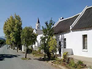 McGregor is the village where time stood still, as it advertises itself.  With its whitewashed and thatched cottages, quiet ambience and surrounding mountains it really does feel as if you have stepped back in time.  Find Robertson accommodation on our Robertson accommodation page.