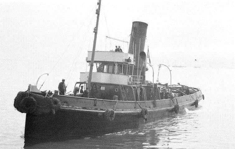The Sir Charles Elliott was a South African steam tug that ran aground and was wrecked at Rock Point, Namibia on the 3rd December 1942 after returning to Cape Town after assisting the DUNEDIN STAR.