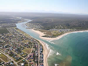 Still Bay at the mouth of the Goukou River has a shallow bay with long, clean beaches, a lagoon and 15 kilometres   of navigable river to offer lovers of water sports and sunshine.  Find Still Bay accommodation on our Still Bay   accommodation page.