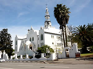 The current Dutch Reformed Church in Swellendam's main street is an extraordinary mixture of styles (Baroque,   Gothic, Byzantine and Restoration) that somehow blend into a beautiful edifice.  Find Swellendam accommodation on   our Swellendam accommodation page.