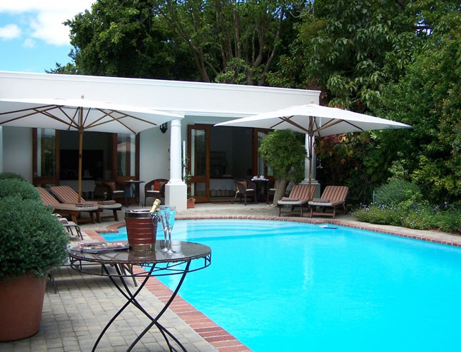 Newlands cape town accommodation fernwood manor boutique for Five star boutique
