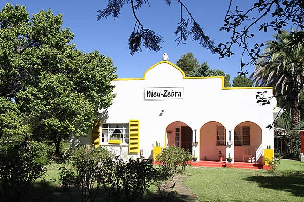 Nieu-Zebra Self Catering
