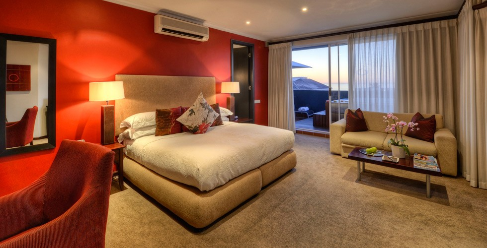 Sea point cape town accommodation o on kloof boutique for 56 west boutique and salon