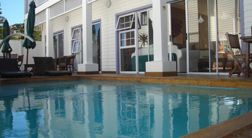 Point Village Guesthouse & Holiday Cottages