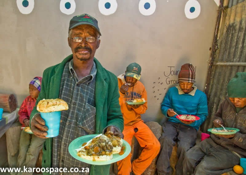 vukusebenze_shelter_2_lunch.jpg