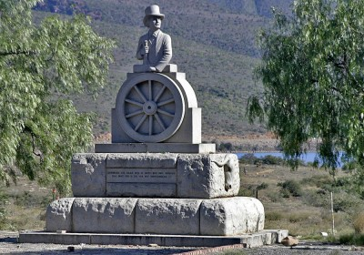 Andries Pretorius Monument Graaff-Reinet Tourist Attractions Sightseeing