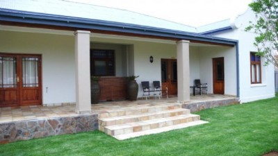 Honeylocust Colesberg Accommodation Guest House