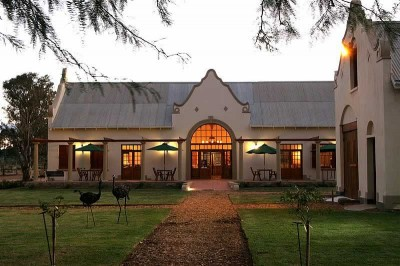 Rietfontein Ostrich Palace Oudtshoorn Accommodation