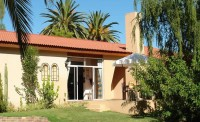 101_oudtshoorn_holiday_accommodation_01.jpg