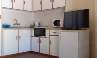 a_chalet_kitchen_oliviers_rust_self_catering_apartments_de_rust.jpg