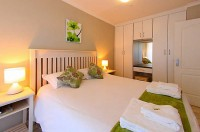 view_lodge_colesberg_another_double_bedroom.jpg